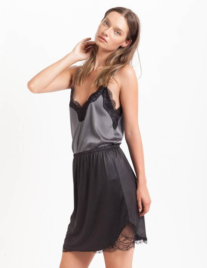 Alef Alef | אלף אלף - בגדי מעצבים | חצאית Suki שחור מבריק