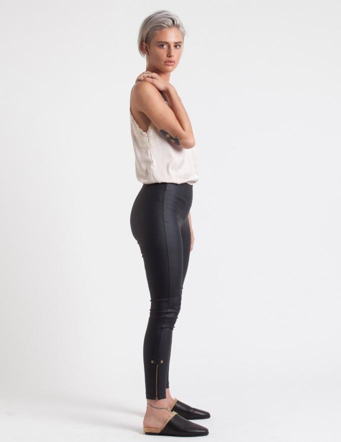 Alef Alef | אלף אלף - בגדי מעצבים | מכנסי DEZI ניט