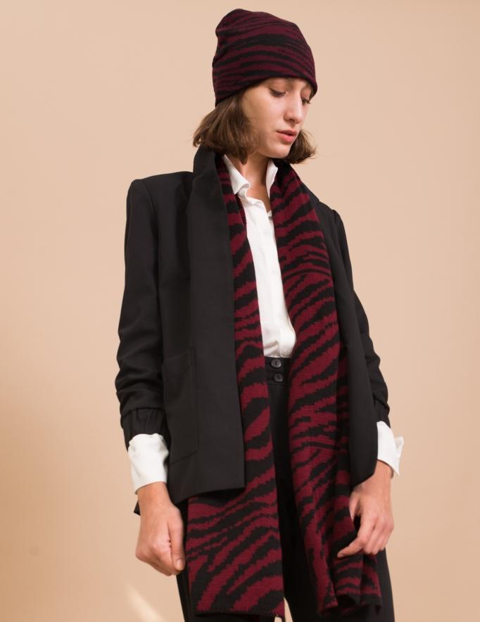 Alef Alef | אלף אלף - בגדי מעצבים | כובע צמר שחור /בורדו