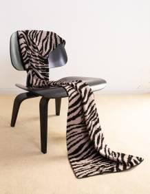 Alef Alef | אלף אלף - בגדי מעצבים | צעיף זברה שחור/ אפור