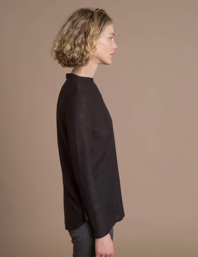 Alef Alef | אלף אלף - בגדי מעצבים | חולצת Saana | שחור טקסטורה