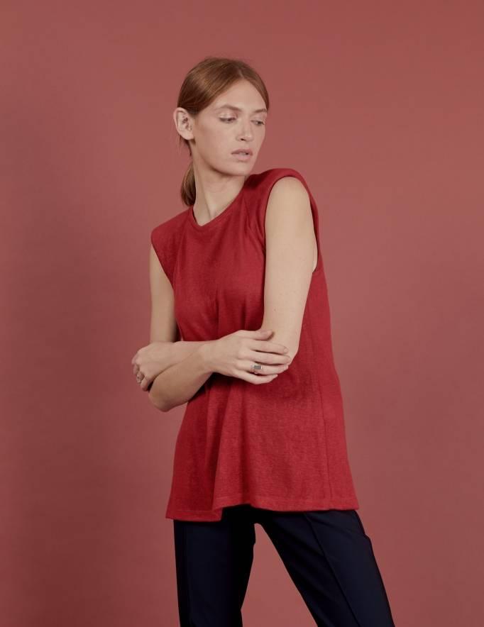Alef Alef | אלף אלף - בגדי מעצבים | גופית Gal | אדום
