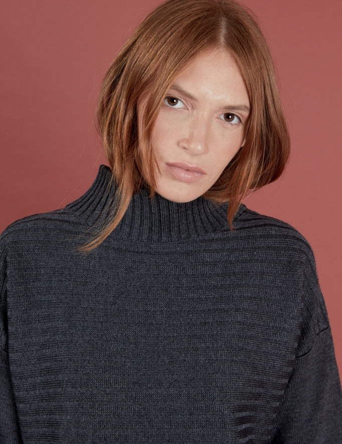 Alef Alef   אלף אלף - בגדי מעצבים   סוודר Pedro אפור כהה