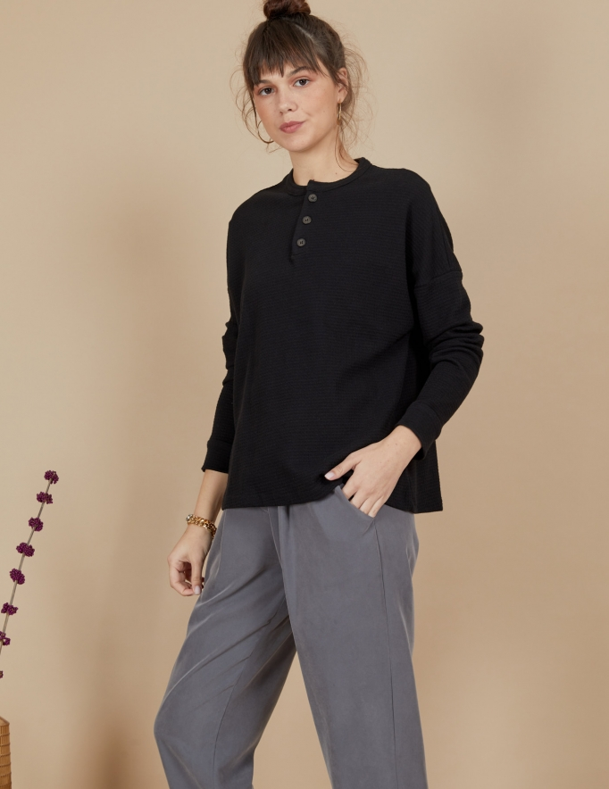 Alef Alef | אלף אלף - בגדי מעצבים | חולצת Greta שחור