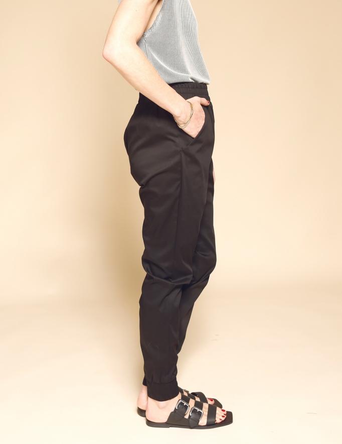 Alef Alef   אלף אלף - בגדי מעצבים   מכנסי Dayan שחור