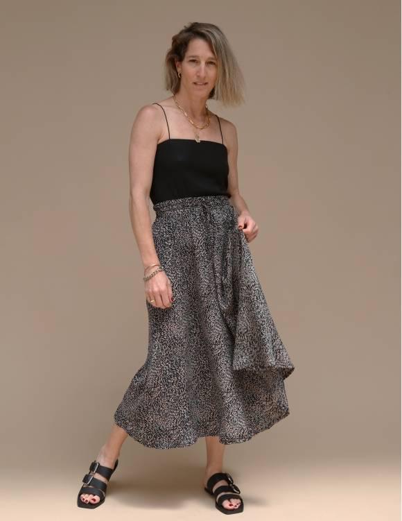 Alef Alef | אלף אלף - בגדי מעצבים | חצאית ATIAS שחור דפוס