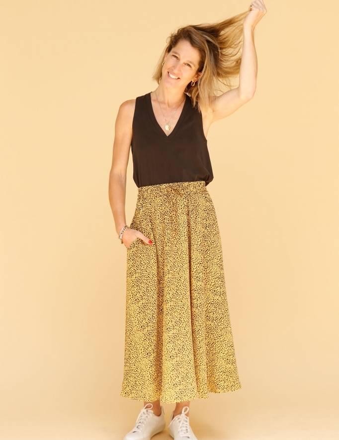 Alef Alef | אלף אלף - בגדי מעצבים | חצאית ATIAS חרדל דפוס שחור