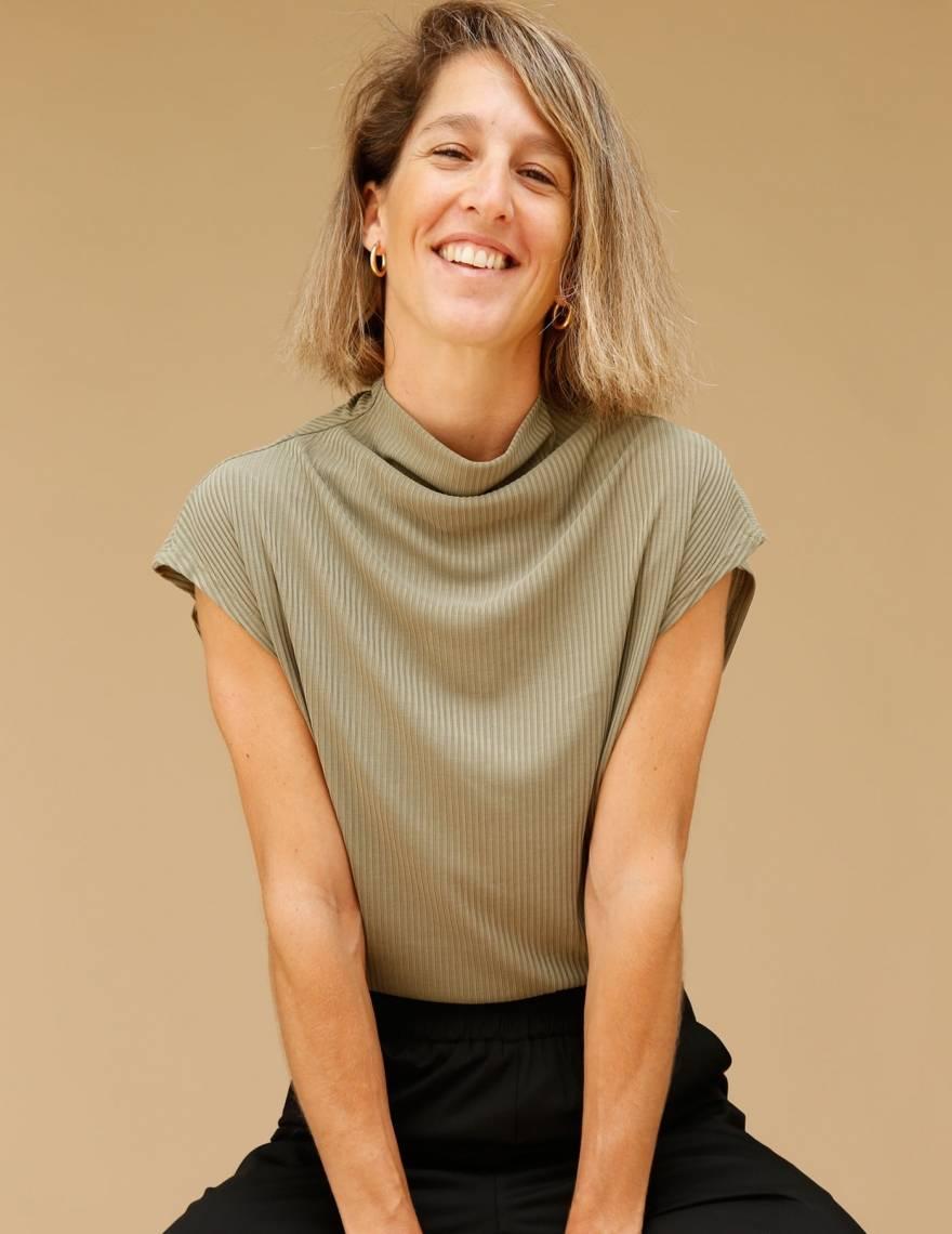 Alef Alef | אלף אלף - בגדי מעצבים | חולצת Eini ירוק ריב