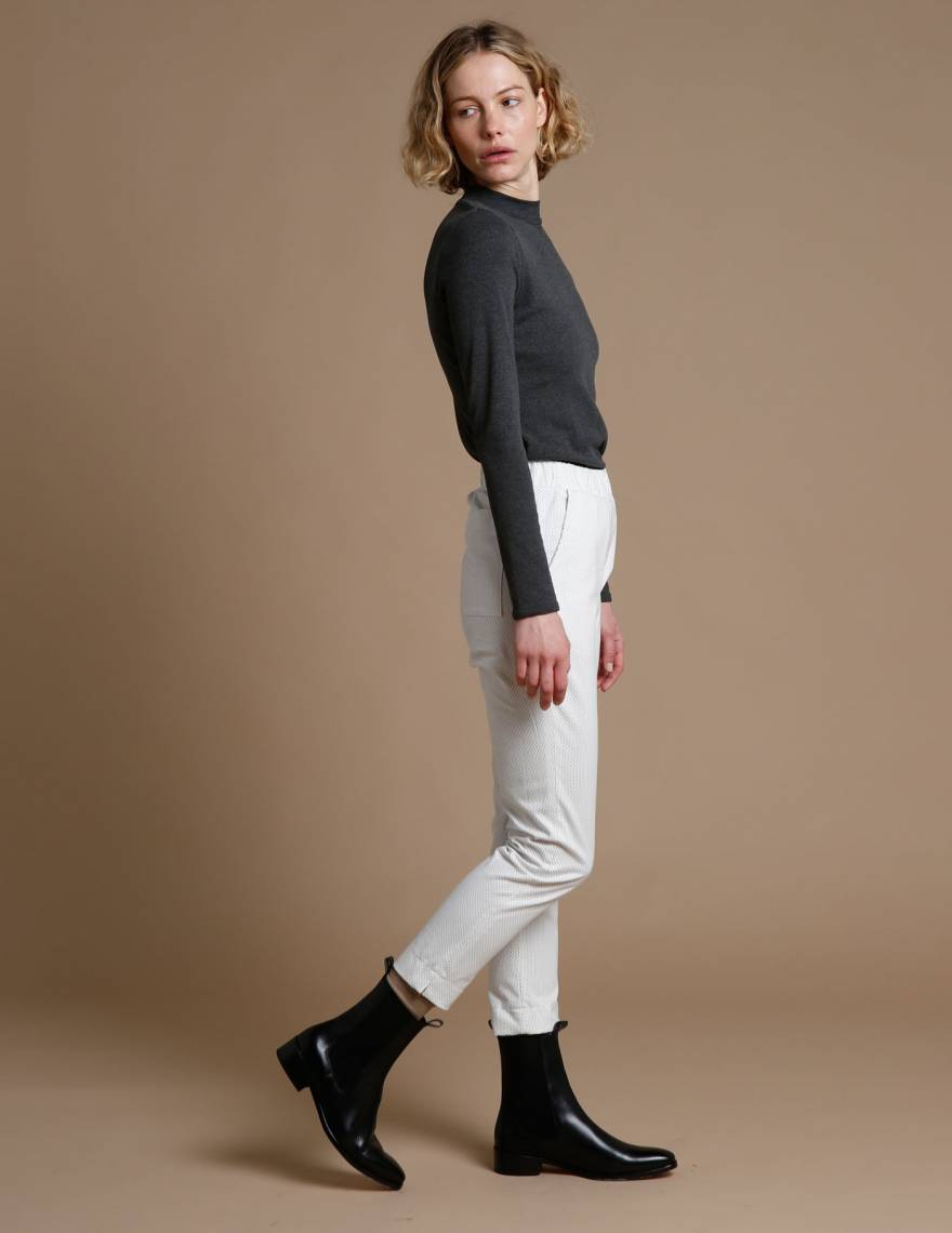 Alef Alef | אלף אלף - בגדי מעצבים | מכנסי Rocky שמנת פס סיכה
