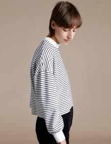 Alef Alef | אלף אלף - בגדי מעצבים | סווטשרט FITZ לבן פסים כחולים
