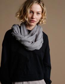 Alef Alef | אלף אלף - בגדי מעצבים | צעיף אפור בהיר