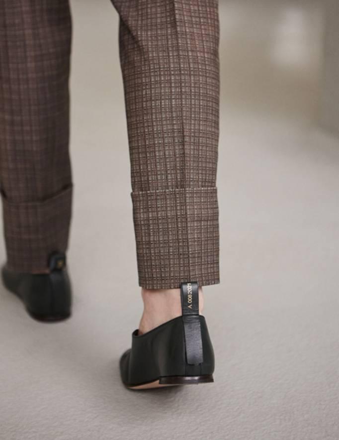 Alef Alef | אלף אלף - בגדי מעצבים | נעלי Ernst |  Act // ירוק בקבוק