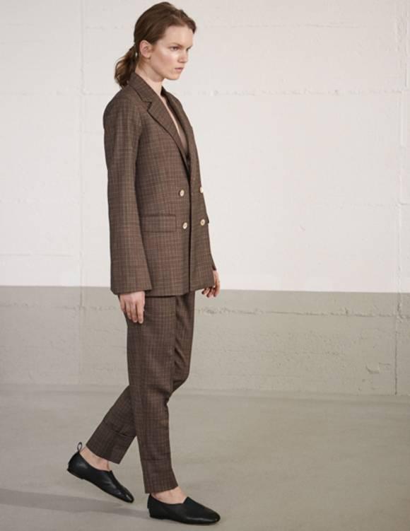 Alef Alef | אלף אלף - בגדי מעצבים | נעלי Ernst |  Act // שחור