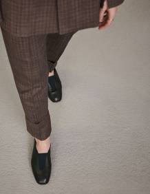 Alef Alef   אלף אלף - בגדי מעצבים   נעלי Ernst    Act // שחור