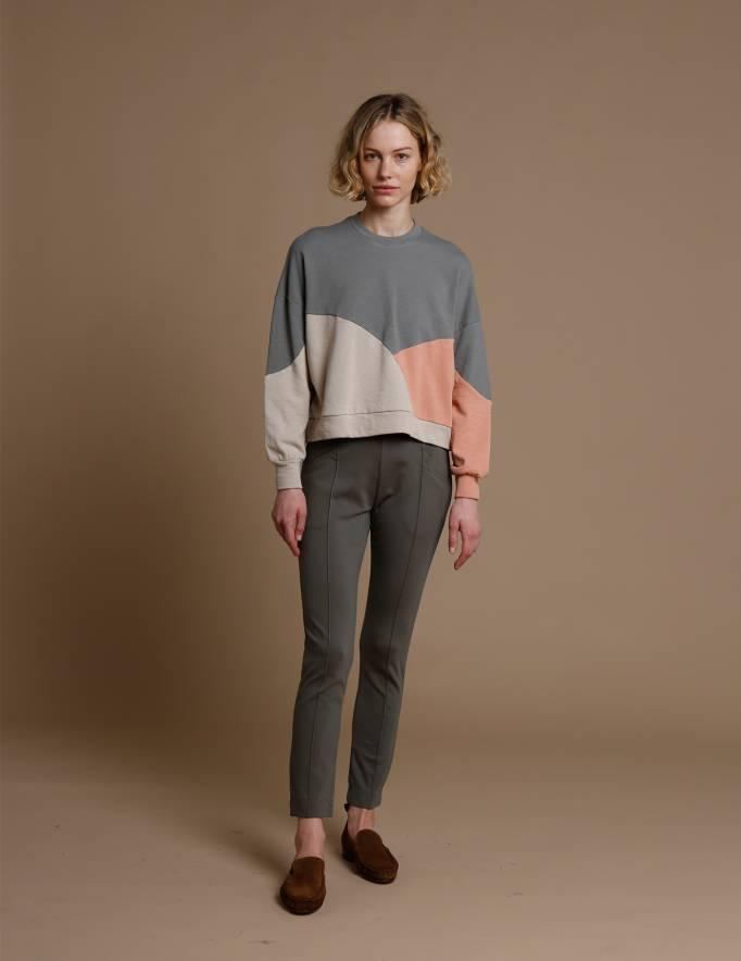 Alef Alef | אלף אלף - בגדי מעצבים | סווטשירט El Capitan אפור/פודרה/אבן