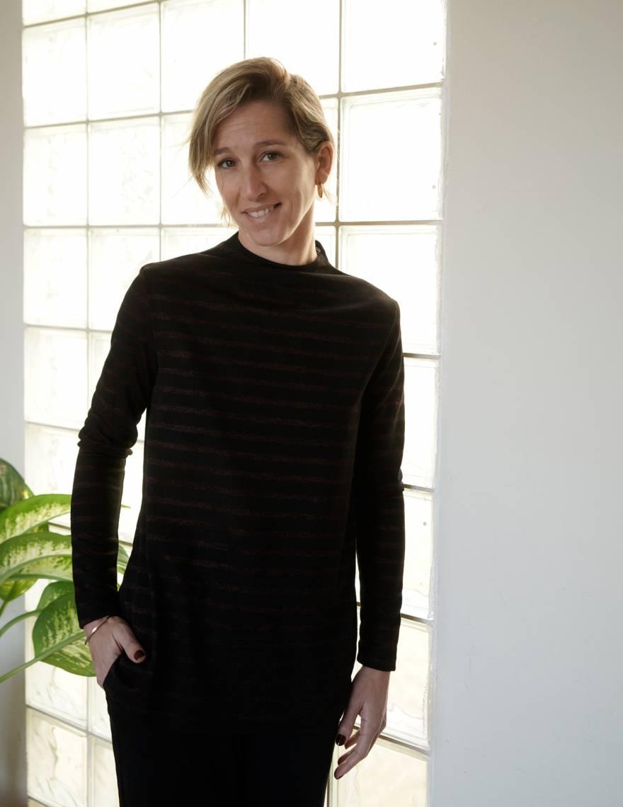 Alef Alef | אלף אלף - בגדי מעצבים | חולצת Saana | שחור פס ברונזה