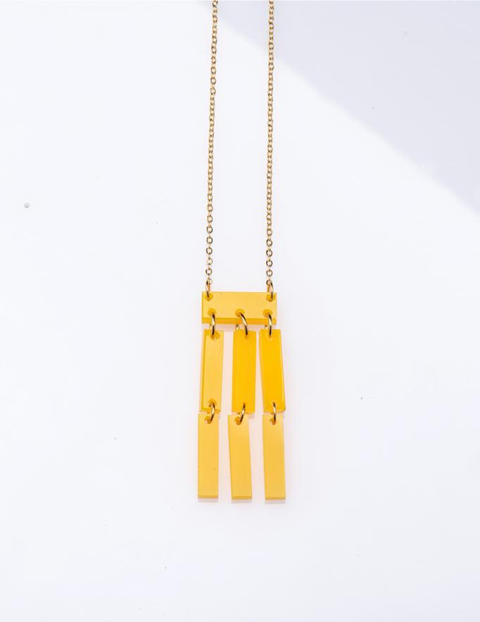 Alef Alef | אלף אלף - בגדי מעצבים | שרשרת NIA מלבנים ארוכה צהובה