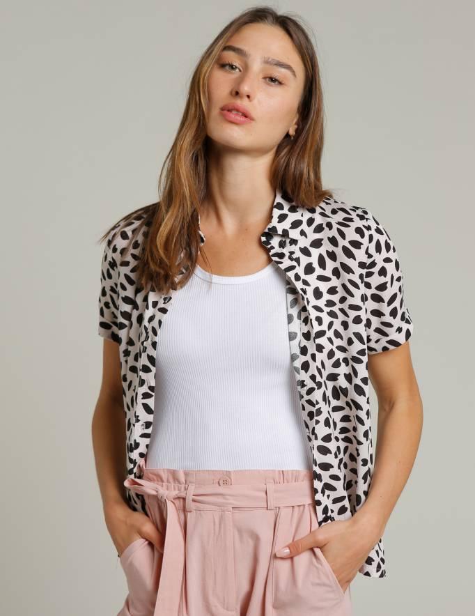 Alef Alef | אלף אלף - בגדי מעצבים | חולצת SINAI לבן כתמים שחור