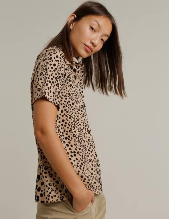 Alef Alef | אלף אלף - בגדי מעצבים | חולצת SINAI בז' כתמים שחור