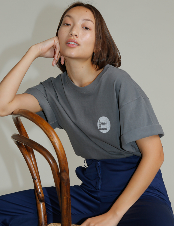 Alef Alef | אלף אלף - בגדי מעצבים | חולצת WAVE אפור