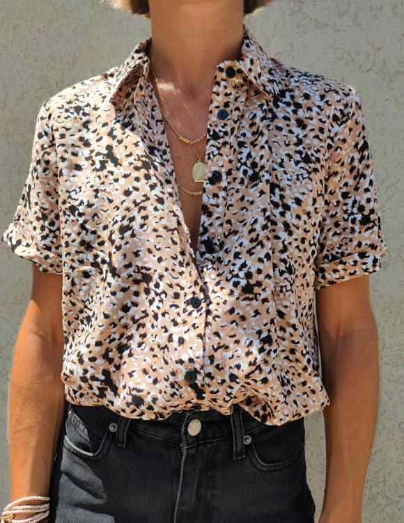 Alef Alef   אלף אלף - בגדי מעצבים   חולצת SINAI מוקה דפוס שחור