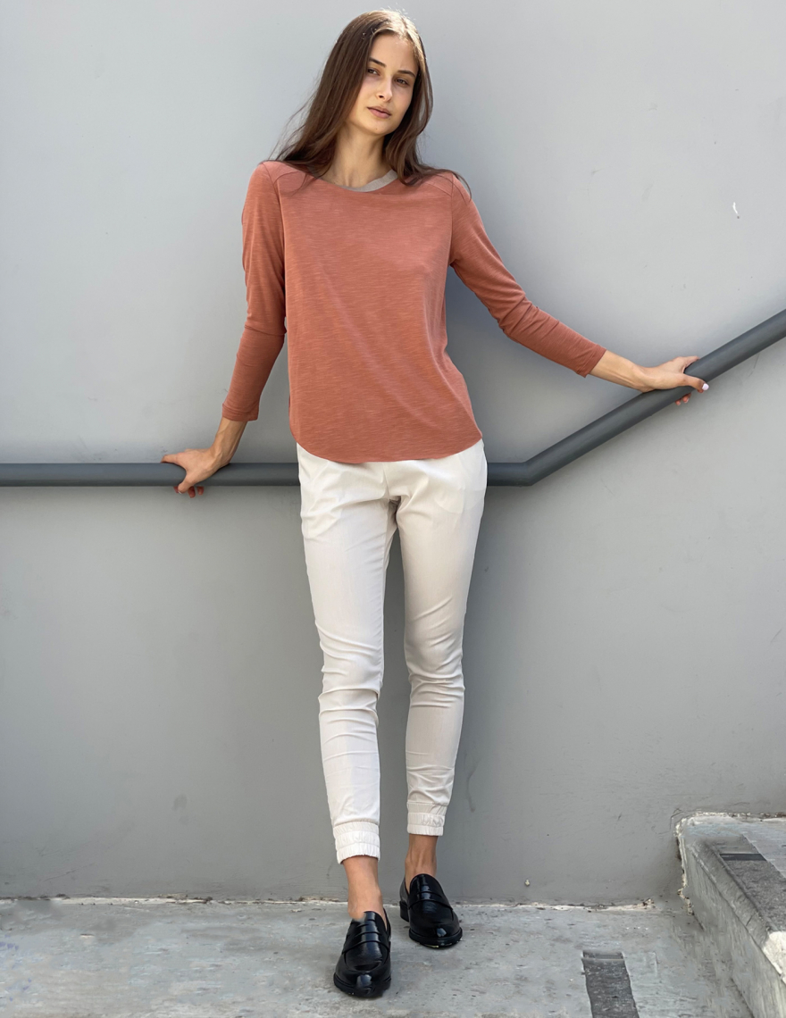 Alef Alef | אלף אלף - בגדי מעצבים | מכנסי MARE אבן